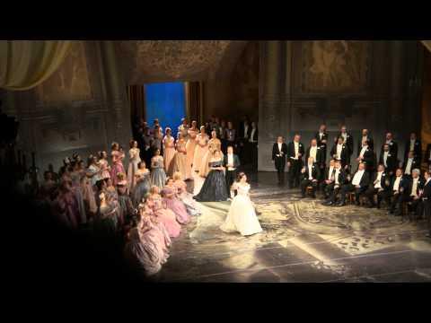 Libiamo ne' lieti calici. La Traviata. Verdi