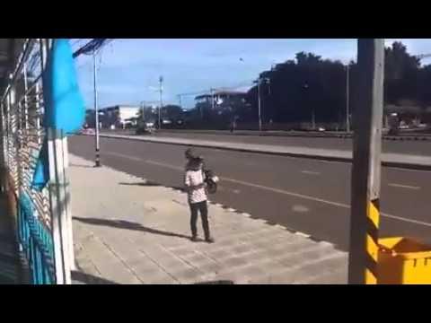 58194c0b997 YouTube video viral: robó un celular pero terminó perdiendo su moto de  manera insólita | Nueva York | Estados Unidos | Foto 1 de 5 | Redes  Sociales | Peru. ...