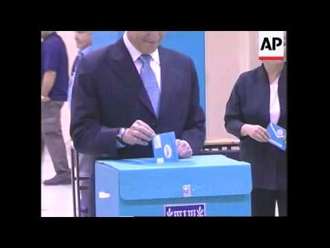 Olmert votes, general voting adds Orthodox Jews voting