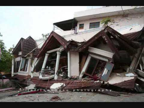 picture of my hometown after earthquake(padang ,sumatera barat,indonesia)