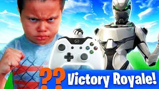MY LITTLE BROTHER PLAYS FORTNITE ON XBOX FOR THE FIRST TIME EVER OMG!!! IS HE A NOOB? -Battle Royale