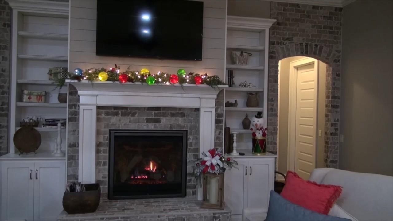 2018 Cedar Mantel Garland With Lights