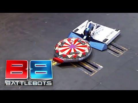 Bite Force vs The Ringmaster: BattleBots Season 2 Round of 32