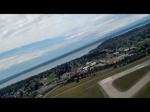 Take-off in a Boeing 717-200 from Seattle-Tacoma International