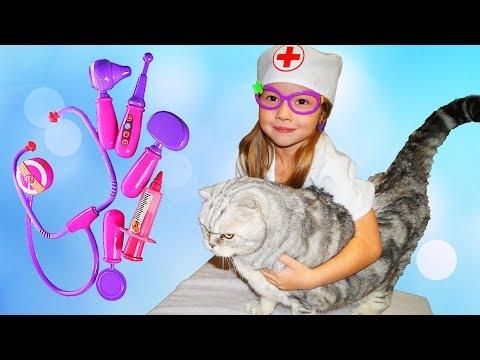 ДОКТОР Эмили лечит КОТА Ронни ЭМИЛИ ВЕТЕРИНАР Играем в доктора Видео для детей