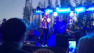 Tell Me - Hunter Hayes Live