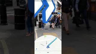 Smartphone Pixel di Google con realtà aumentata in Google Maps
