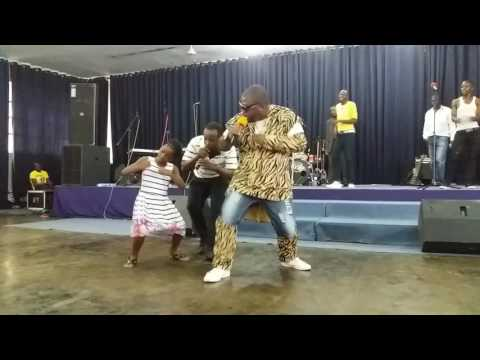 Dr Tawanda vs his own blood live on stage +26772860140