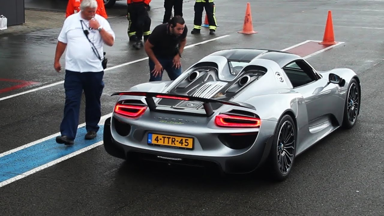 porsche 918 spyder start up and fly by 39 s youtube. Black Bedroom Furniture Sets. Home Design Ideas