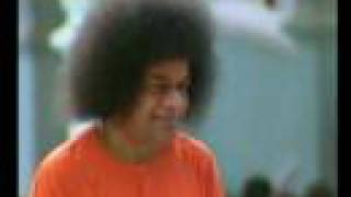 Sundararupaya - Sathya Sai Baba darshan video