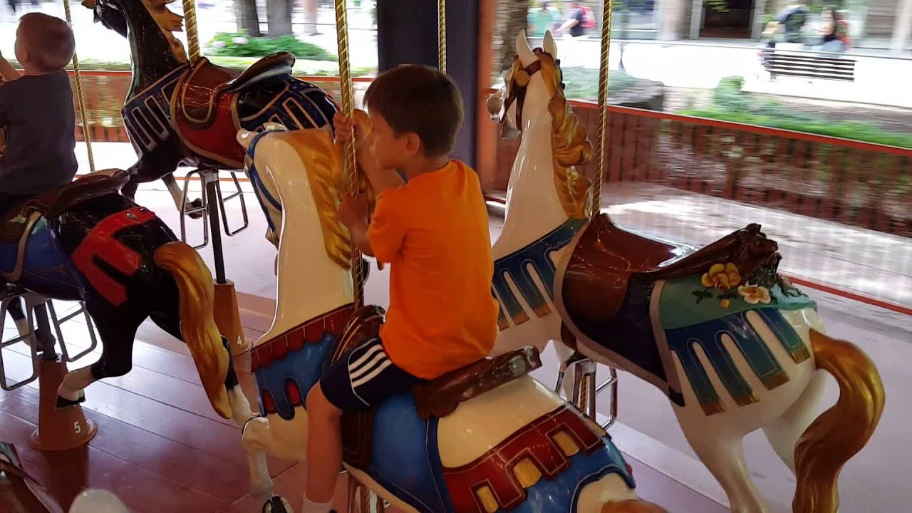 Beanie\'s first ride on the Illions Supreme Carousel at Gilroy ...