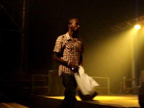 MAVADO Weh Dem A Do / Top shotta nuh miss LIVE REGGAE GEEL 2010 BELGIUM