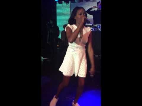 Azealia Banks Ice Princess LIVE