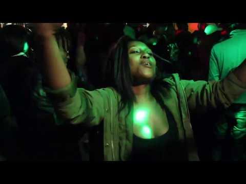 DJ Mlungu Playing - DJ Mlungu Ft Makau - Mister DJ