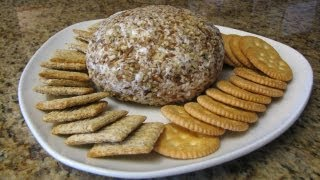 Ranch Chicken Cheese Ball With Pecans - Lynn's Recipes