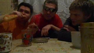 Александр отец и я ужинаем и курим HAVATAMRU