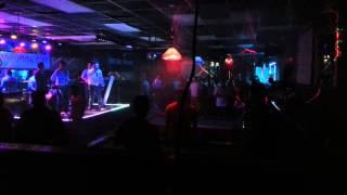 Grupo destroce musical y DJ ZORBA