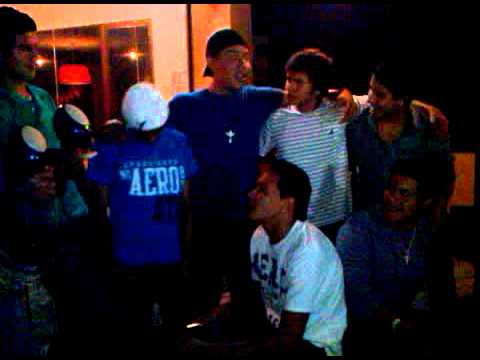 Efe ''ElDeLa13'' ft Cash''LaMelodiaDelProfeta''-Una Party Se Enciende (Mini Concierto) Videos De Viajes
