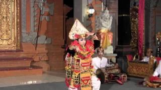 """Bali dance """"Tari Baris Tunggal"""""""