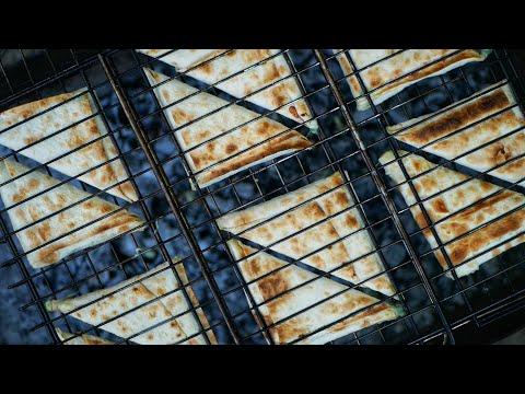 Любимая Закуска для пикника! СУЛУГУНИ в Лаваше на мангале