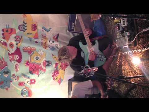 Starting Gun Sleepover Sessions (live)