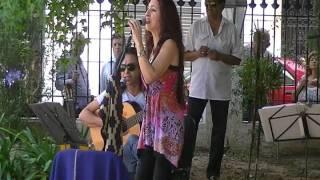COPLA PARA LA MAS VIEJA DE LAS TRUNCAS por Nancy Abalos y en guitarra Carlos Irigoyen.