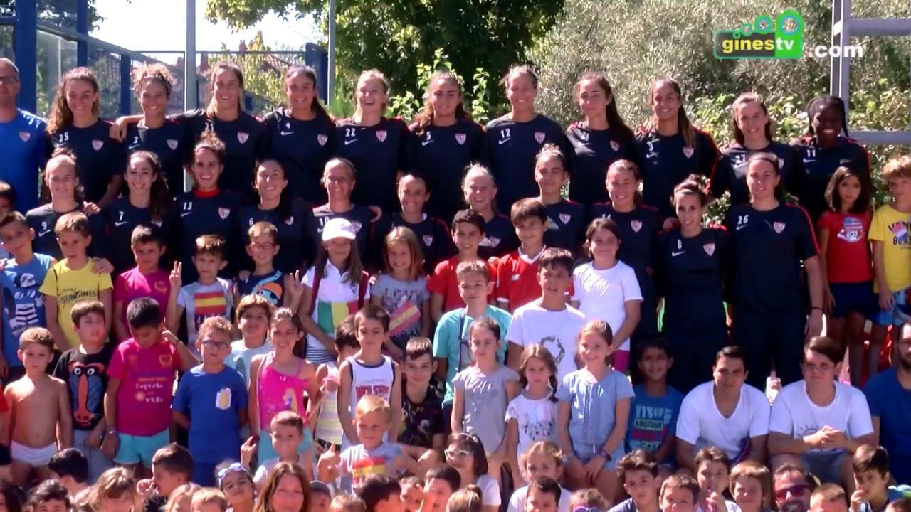 El Sevilla FC femenino entrena en el Estadio San José y sus jugadoras conocen el Campus 'Sun Gines'