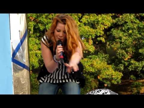 Noemi canta l'Amore si odia a TRL 16.11.09 (LIVE)