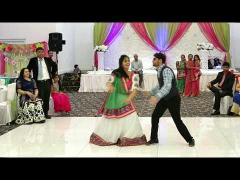 Couple  Dance in Baby Shower on sari ke fall sa.....