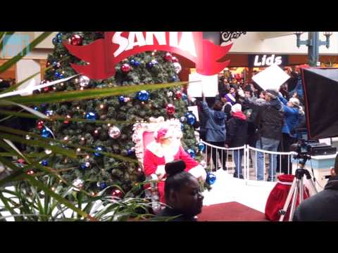 Minimum Wage Protesters on the Naughty List after Disruption at Milwaukee Mall?