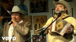 Pesado - Flor De Capomo (Live at Nuevo León México) ft. Carlos Tierranegra thumbnail
