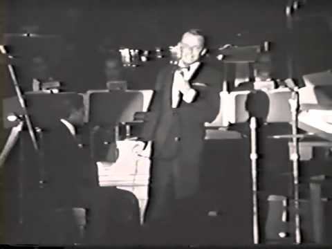 I've Got My Love To Keep Me Warm - Frank Sinatra Christmas at the Sands mp3