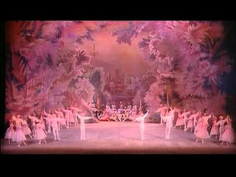 NUTCRACKER, Waltz Of The Flowers (Tchaikovsky). / O QUEBRA-NOZES, Valsa das Fores