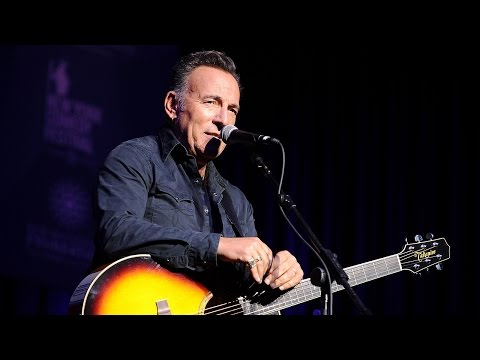 Bruce Springsteen criticizes Trump in new protest song