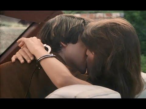 Поцелуй с Киану Ривзом — Прошлой ночью, 1988