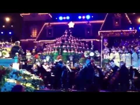 2012 Disneyland Candlelight Ceremony and Processional with Dennis Haysbert