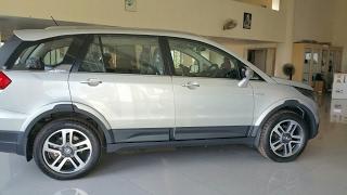 Tata Hexa XT 4x4 | Silver | Walkaround | Quick Look