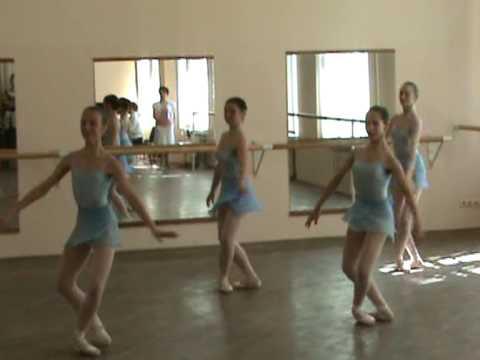 Стеклоком изготавливает хореографические станки под ключ. Балетные танцевальные станки разных видов на заказ любого размера по индивидуальным проектам.
