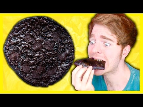 MAKING BLACK PIZZA!