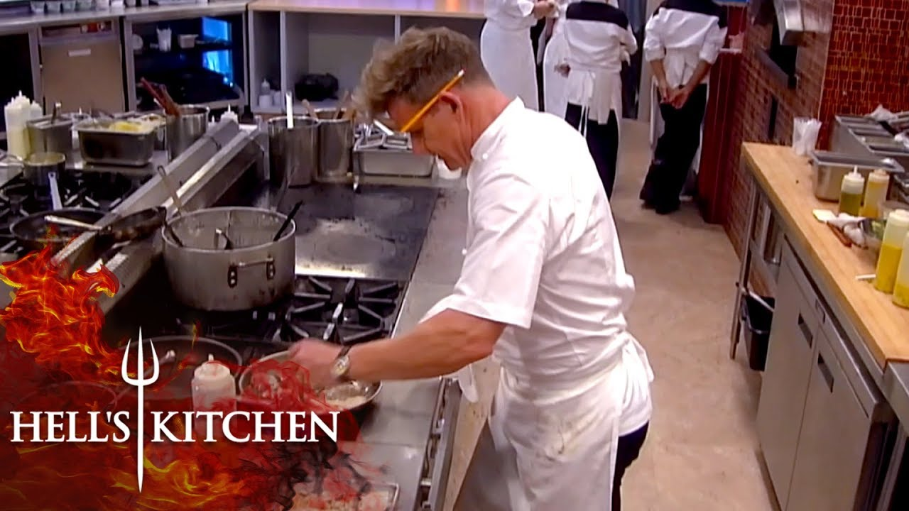 Gordon Ramsay Has Enough Cooks The Final Table Himself Hell S Kitchen
