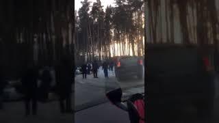 Автомобиль перевернулся около клиники Мешалкина