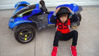 Senya and his new 3-wheeled car
