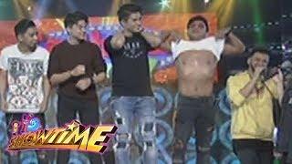 It's Showtime Cash-Ya: Jhong Hilario takes his shirt off!