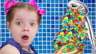 Pretend play Hand Shower m&ms - شفا والدش السحري !!!