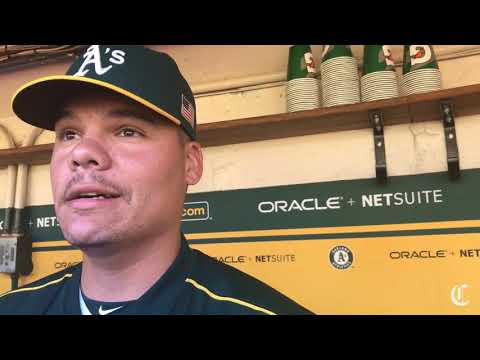 A's Bruce Maxwell kneels again during anthem