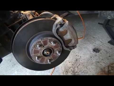 Замена тормозных колодок на  Subaru Tribeca
