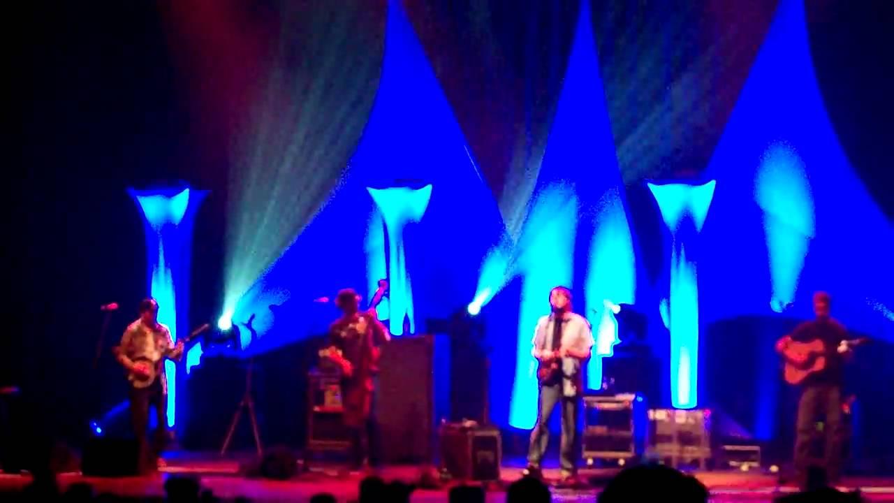 Yonder Mountain String Band Dedicates 'Half Moon Rising' To Jeff Austin