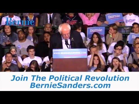 Bernie Sanders For President 2016 Johnston, IA EW2 mp4