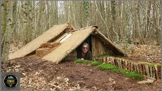 SURVIVAL EARTH LODGE HOUSE - Bushcraft  a pit warm house The best of all natural Shelters!!
