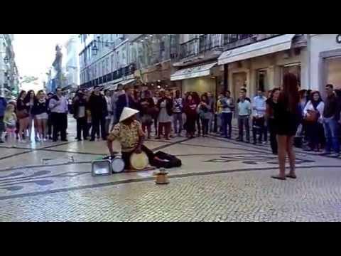 Gaspar Silva (live) - Show nas Ruas de Lisboa (1) 10.04.2014 (Lisbon, Portugal)